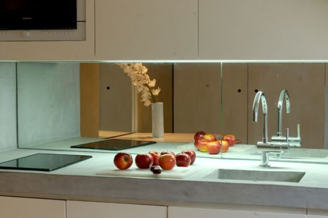 La crédence de cuisine miroir, espace et clarté