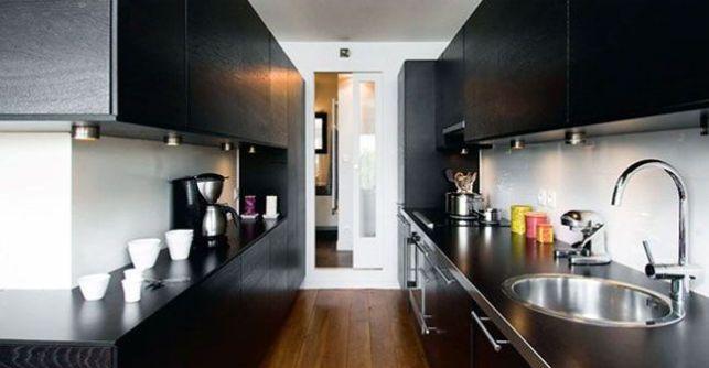 La cuisine couloir, avec plan de travail en parallèle
