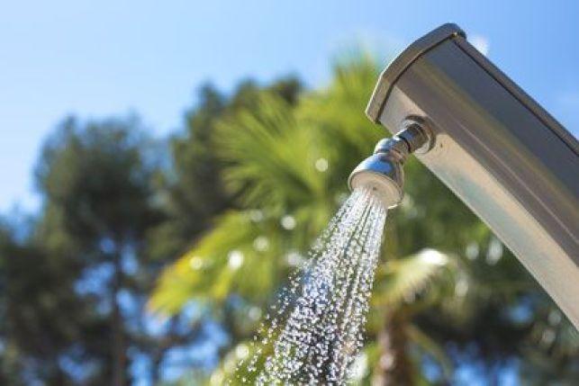 La douche solaire