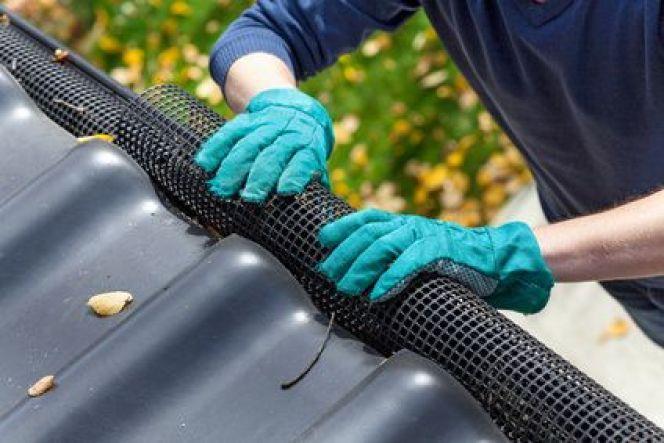 La grille pare-feuilles pour protéger la gouttière