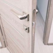 La porte battante, double ou simple