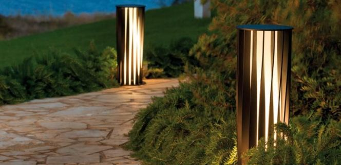 Notre s lection d 39 clairage de terrasse lampadaire aton for Lampadaire pour terrasse exterieur