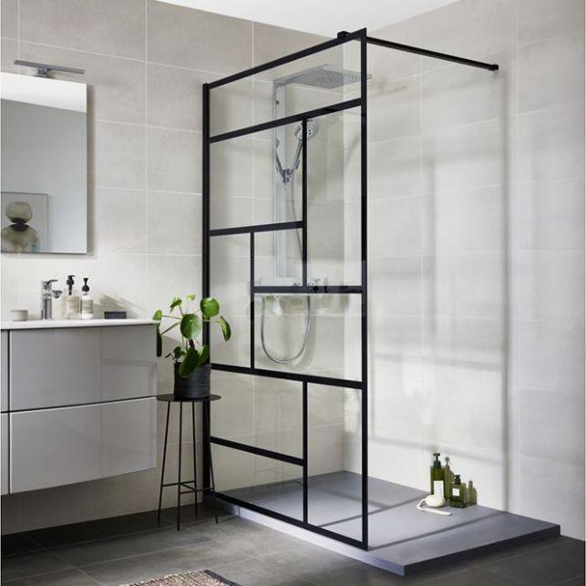 Une paroi de douche aux lignes graphiques