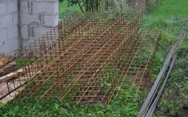 Le ferraillage qui entre dans la composition d'un mur en béton armé.