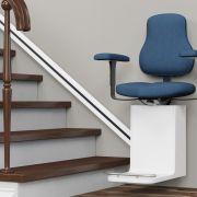 Le monte-escalier pour personnes âgées
