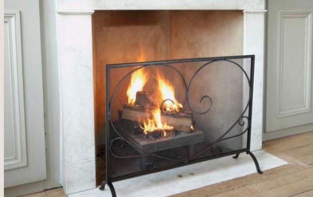 Pare-feu armature en métal pour cheminée à foyer ouvert