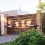 Le portail en bois, une beauté qui s'entretient
