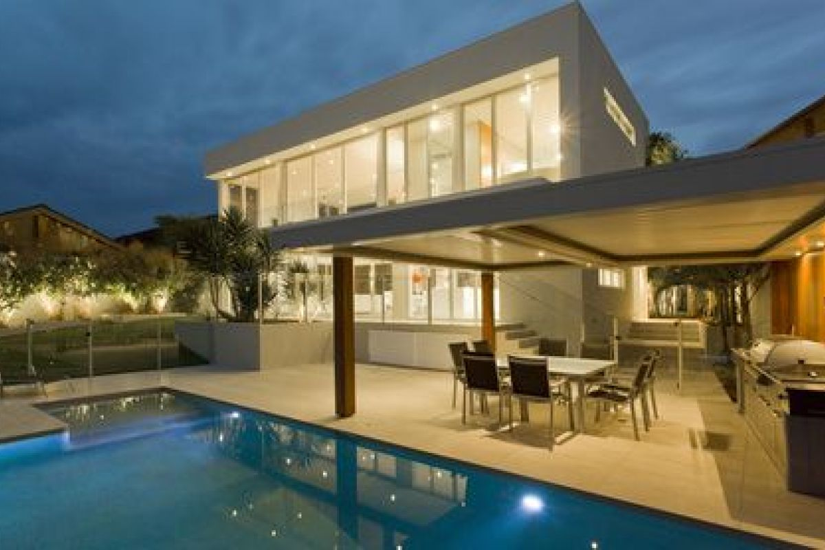 Idee Eclairage Terrasse Piscine les appliques extérieures, une idée lumineuse
