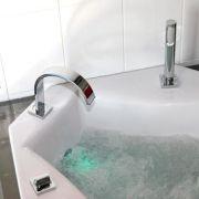 de a z diff rents types de baignoires baignoire sur pied encastrer ou poser. Black Bedroom Furniture Sets. Home Design Ideas