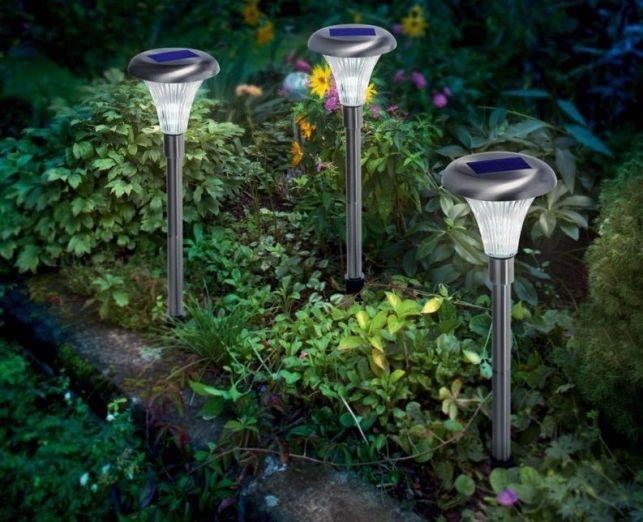 Les balises solaires pour jardin - En vente sur www.solairepratique.com