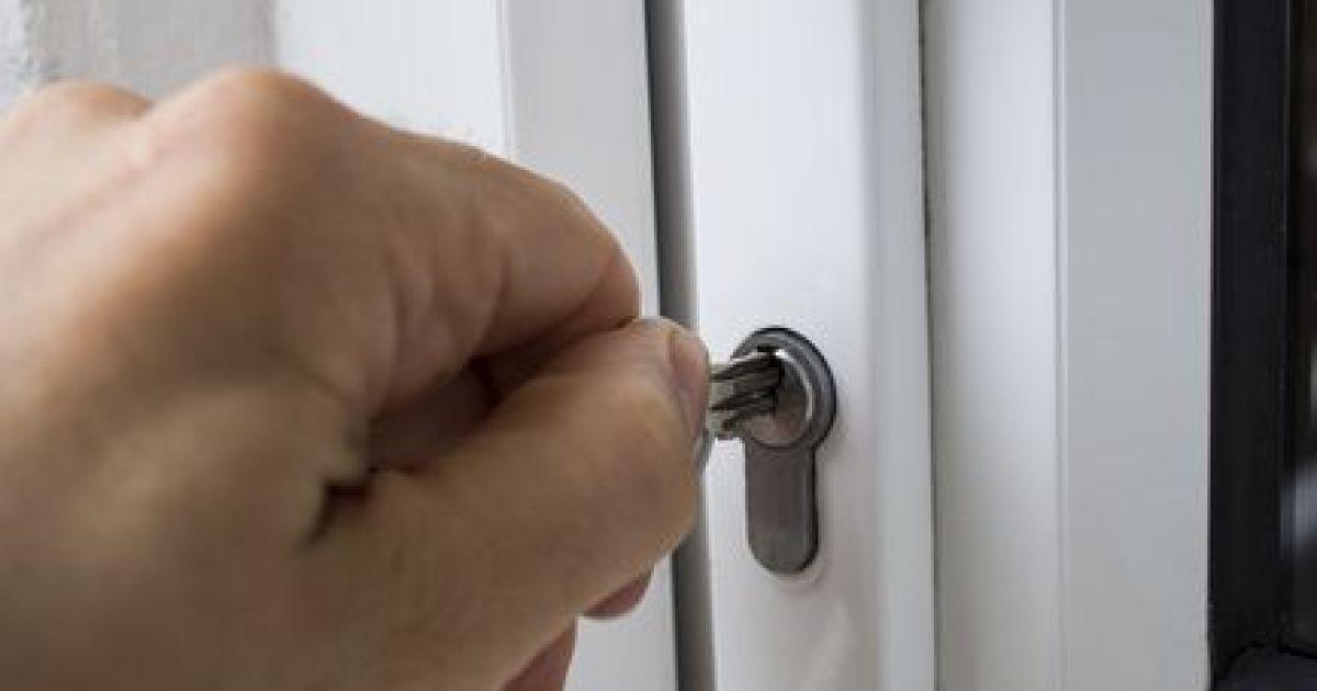 Les Différents Types De Serrure De Portes Toutes Les Infos - Serrure porte coulissante aluminium veranda
