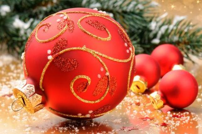 Les incontournables pour la déco du sapin de Noël
