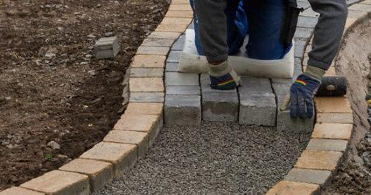 Les joints pour pav s faire le bon choix - Faire une terrasse en pave ...