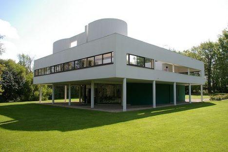 La villa Savoye, emblème du style Le Corbusier
