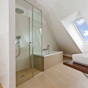 Les minis baignoires pour petites salles de bains