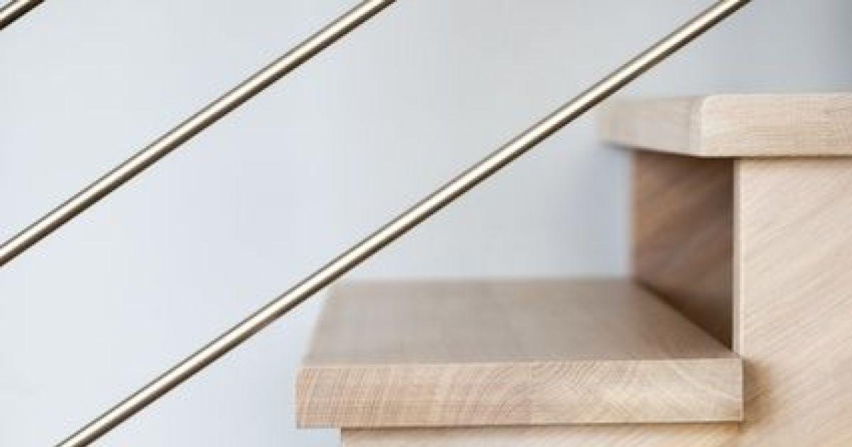 les nez de marche d un escalier. Black Bedroom Furniture Sets. Home Design Ideas