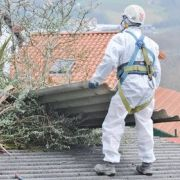 Les toitures contenant de l'amiante : un réel danger