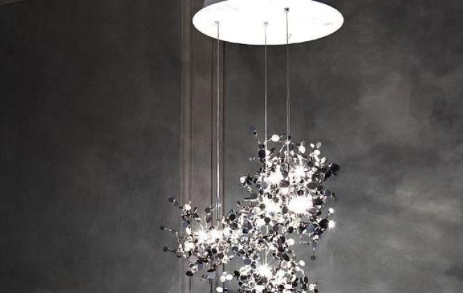 Argent est un luminaire très design qui ambiancera votre pièce grâce à son jeu de lumière. © Terzani
