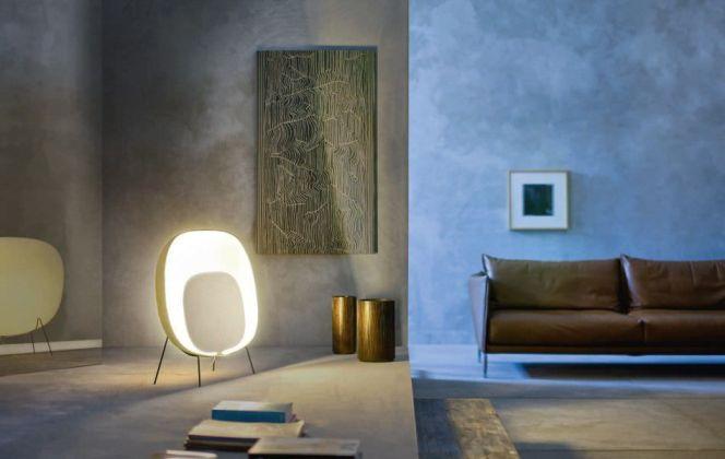 Ce lumière très design baignera votre pièce d'une lumière diffuse très chaleureuse. © Foscarini