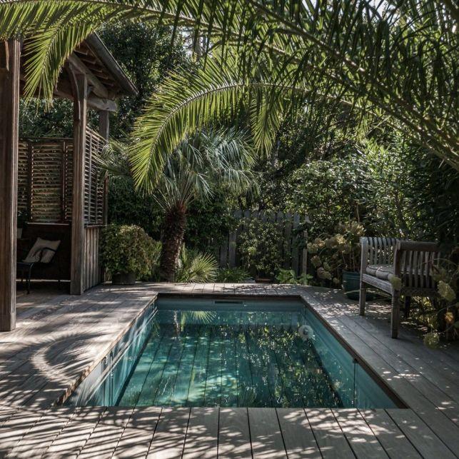 Optez pour une piscine citadine sur-mesure avec un fond mobile