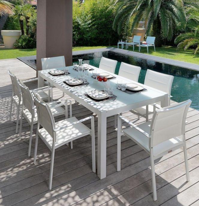 Notre s lection de mobilier ext rieur haut de gamme for Table exterieur haut de gamme