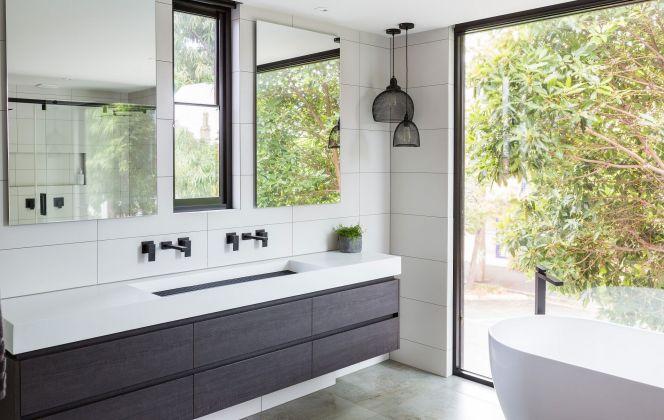 Notre sélection des plus belles salles de bain © Square Freestanding Matte Black - Bath Mixer