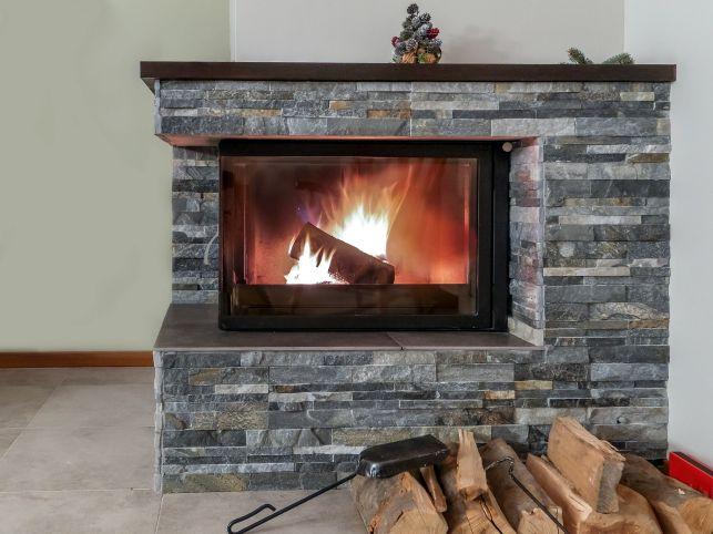 Optimiser le tirage d'une cheminée à foyer ouvert