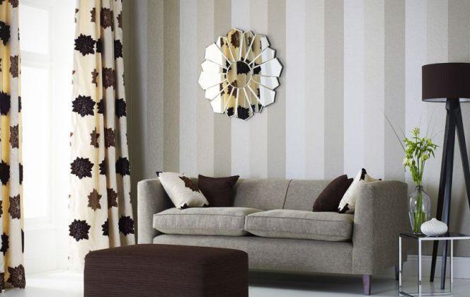 Ce joli papier peint aux teintes discrètes contribuera à la sérénité de votre pièce.  © Foresti Home Collection