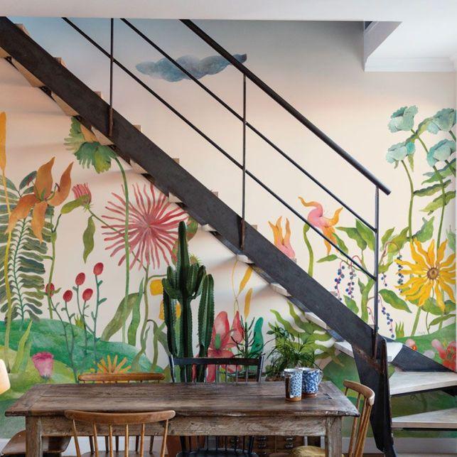 Un papier peint panoramique floral et coloré