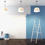 Peindre les murs d'une cave