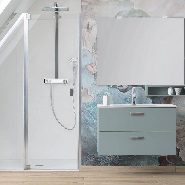 Une petite salle de bains design et esthétique sous les combles