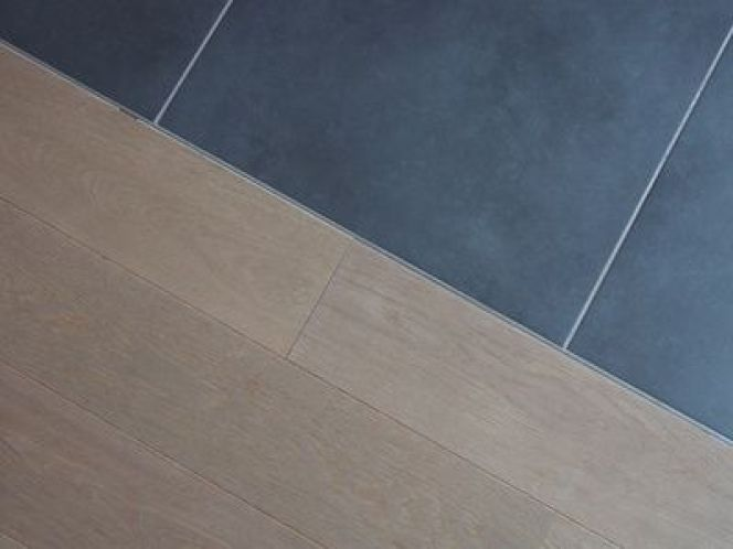 Peut on poser du parquet sur du carrelage for Carrelage et parquet
