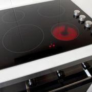 Plaque de cuisson à induction en panne : que faire?