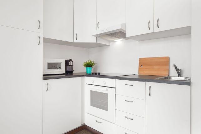 Plaque de cuisson vitrocéramique avec foyer radiant