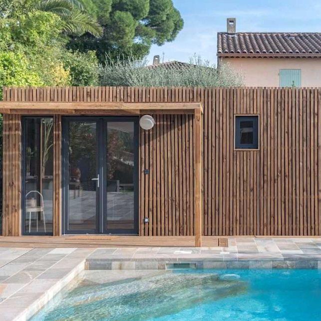 Un poolhouse végétal abritant un studio