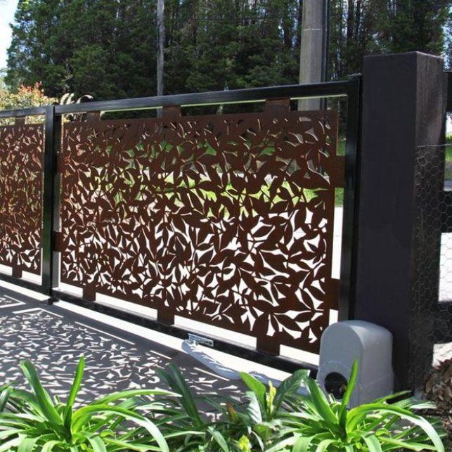 Un portail unique et original en acier corten