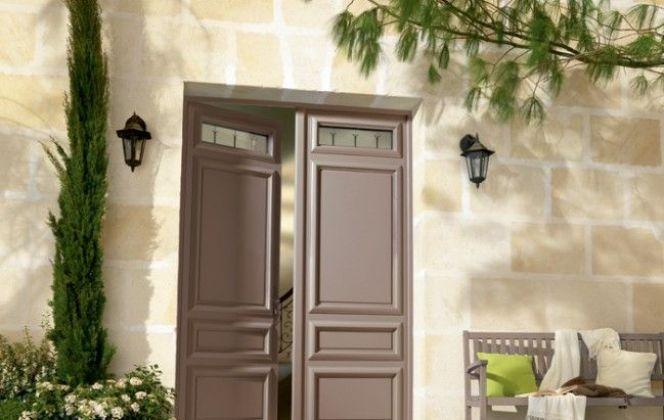 Porte d'entrée en bois de Bel'm © Bel'm