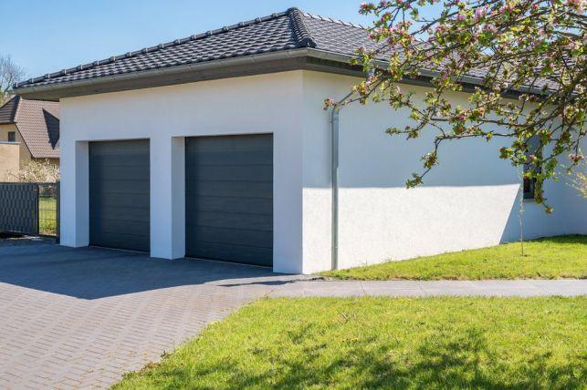Porte de garage à ouverture basculante