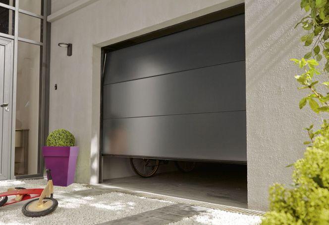 Porte de garage par Leroy Merlin© Leroy Merlin