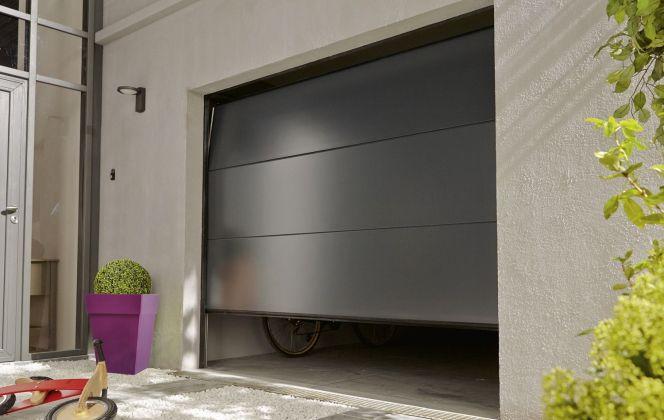 Porte de garage par Leroy Merlin © Leroy Merlin