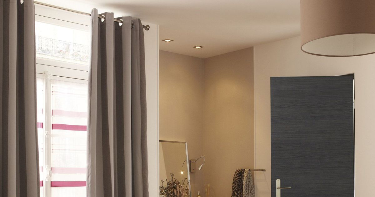 Porte int rieure par leroy merlin for Porte interieur gris anthracite