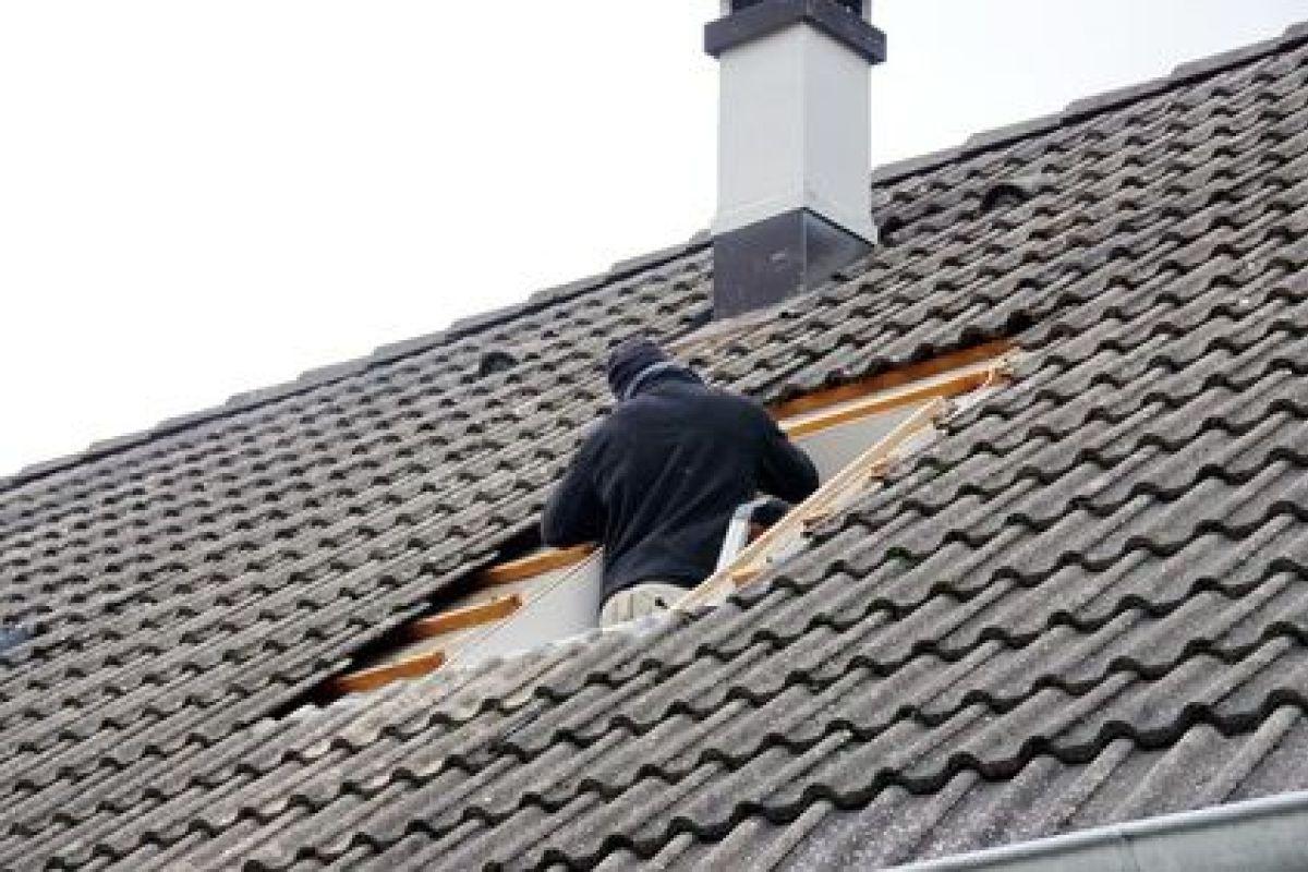 Refaire Un Toit D Abri De Jardin pourquoi et quand refaire une toiture ?