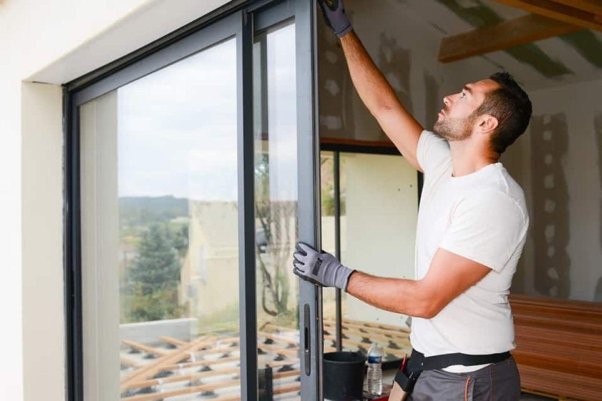 Combien Coute Une Baie Vitrée A Galandage prix d'une fenêtre coulissante - tarif 2020