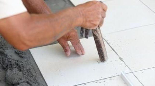 Quel mortier ou colle choisir pour la pose d'un carrelage ?