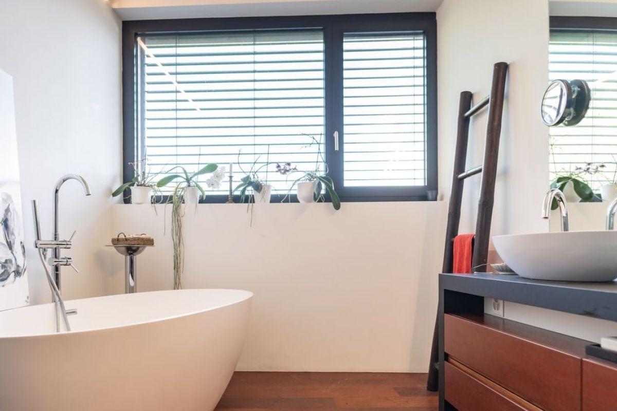 Quelle fenêtre pour une salle de bain ?