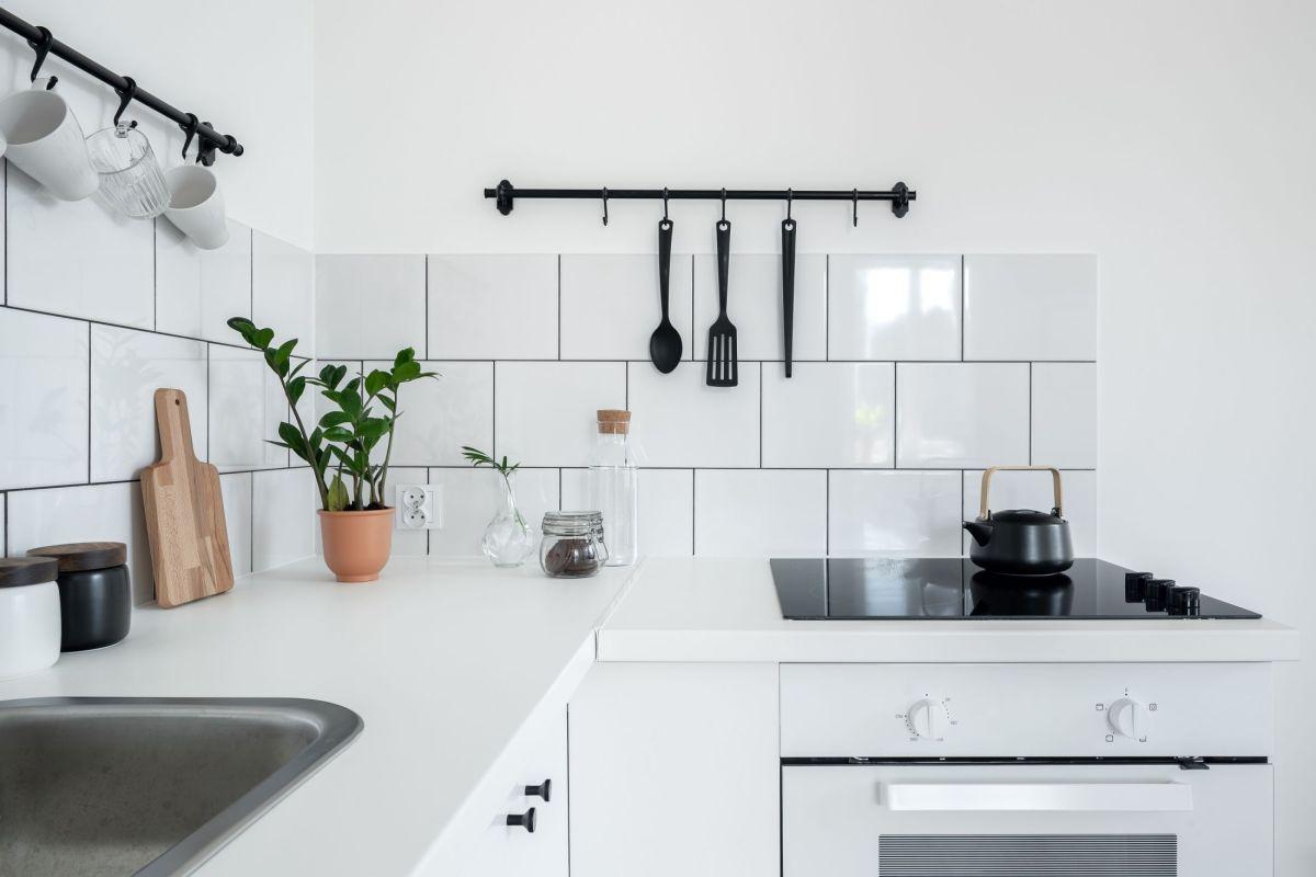 Cacher Plan De Travail Cuisine quels matériaux pour la crédence de cuisine ? verre, inox
