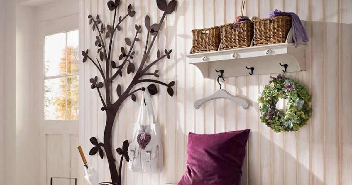 Rangements et meubles pour l entr e d une maison for Meuble rangement entree couloir
