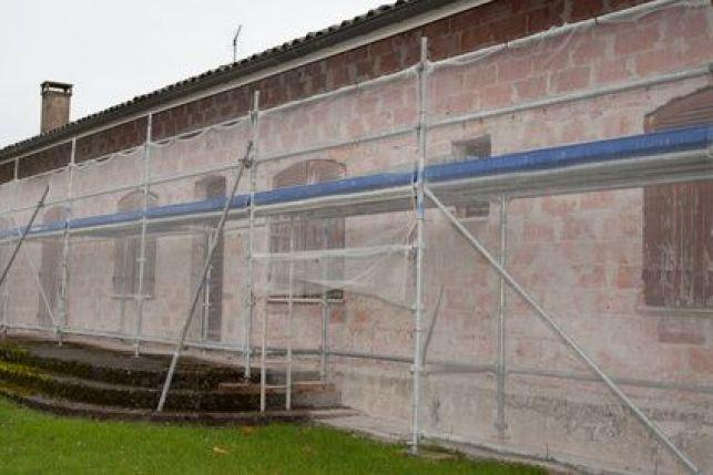 Ravalement de façade : l'installation d'un échafaudage