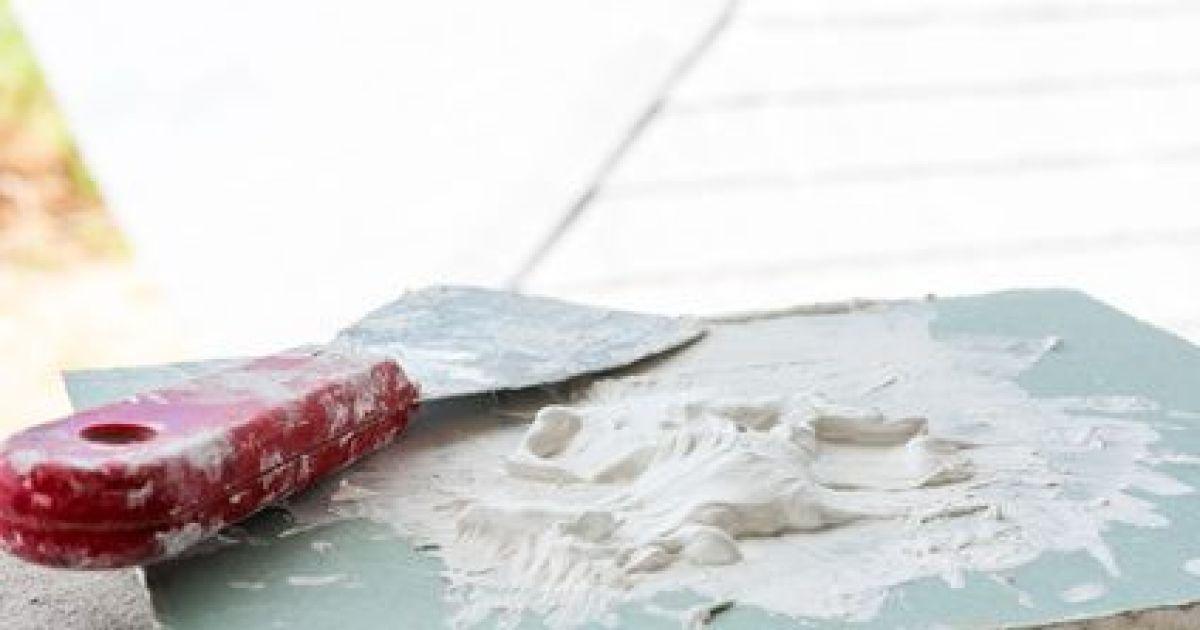 reboucher une fissure dans un mur les enduits pour colmater. Black Bedroom Furniture Sets. Home Design Ideas
