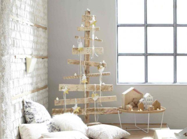 Recycler des palettes de bois pour faire une déco de Noël